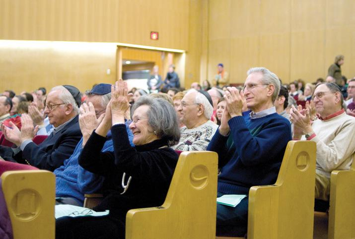 The audience applauds at the 2009 'Music to Feed the Soul' concert at Shaare Zedek. This year's concert takes place Dec. 9 at BSKI.