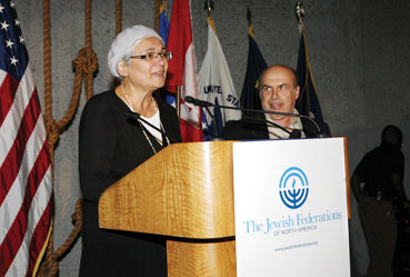 Avital Sharansky addresses the Prime Minister`s Council at General Assembly of the Jewish Federations of North America in New Orleans on her struggle to achieve the release of her husband Natan Sharansky, right, from the Soviet gulag, Nov. 7. Photo: The Jewish Agency for Israel