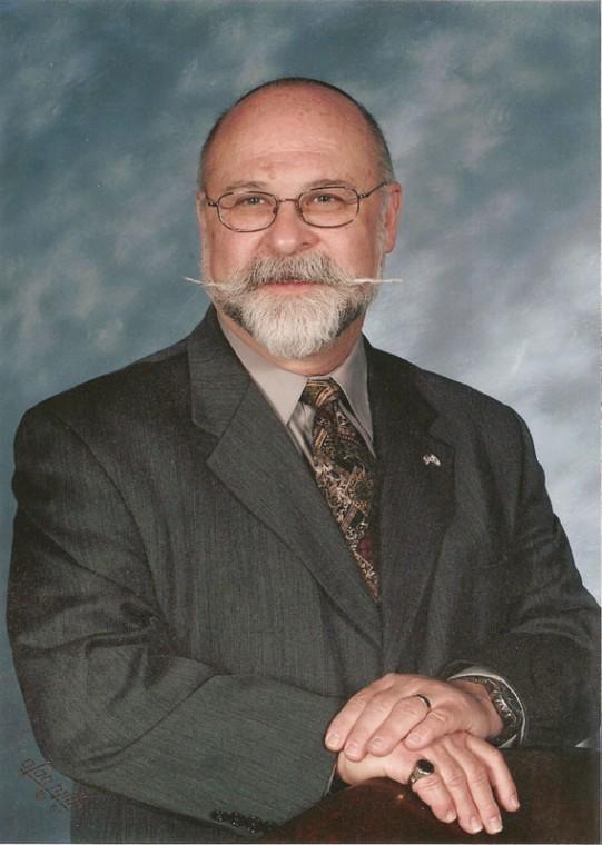 Rabbi Josef A. Davidson serves Congregation B'nai Amoona.