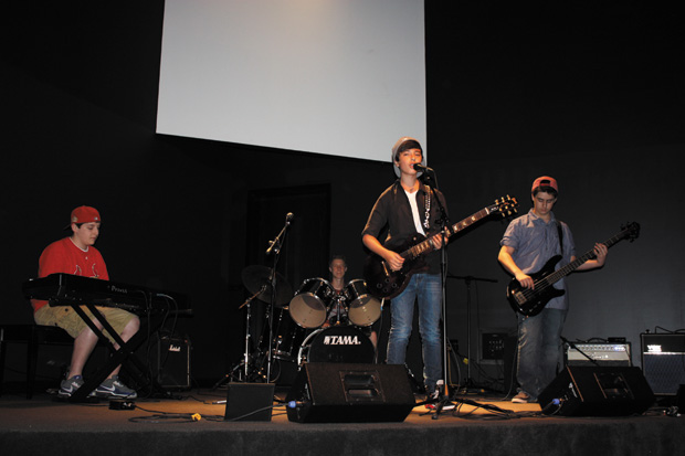 J-TAL+performs+on+stage%2C+with+Jeff+Dicker+on+keyboard%2C+Tal+Halperin+on+drums%2C+Josh+Mannis+on+guitar+and+vocals%2C+and+Jacob+Ballard+on+bass+%28right+to+left%29.+In+addition+to+other+shows%2C+J-TAL+performed+at+their+eighth+grade+graduation.%C2%A0%0A