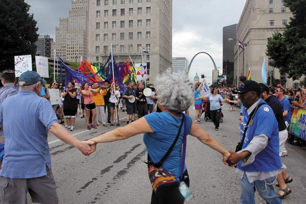 Sixteen+local+Jewish+organizations%C2%A0+were+represented+at+this+year%E2%80%99s+PrideFest+Parade%2C+held+downtown+on+Sunday.+The+parade+is+part+of%C2%A0+PrideFest%2C+an+annual+celebration+of+the+LGBT+%28Lesbian%2C+Gay%2C+Bisexual+and+Transgender%29+community.+Photo%3A+Philip+Deitch.+For+a+gallery+of+images+from+the+parade%2C+visit+stljewishlight.com%2Fmultimedia.