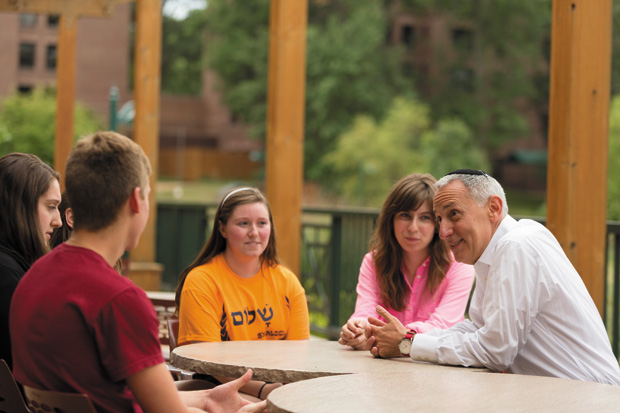 Eric+Fingerhut%2C+Hillel%E2%80%99s+new+president+and+CEO%2C+speaks+with+students+at+Washington+University+during+the+Hillel+conference+there+this+week.%C2%A0