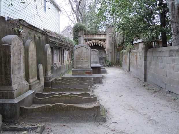 Visitors+to+Charleston+may+want+to+tour+the+Coming+Street+Cemetery%2C+the+nation%E2%80%99s+second-oldest+Jewish+graveyard.%C2%A0