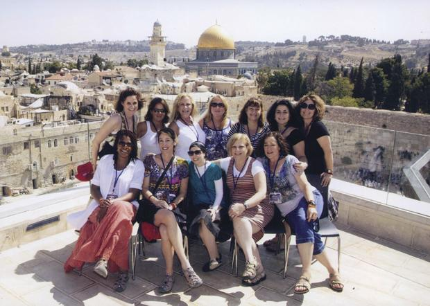 The+%E2%80%98St.+Louis+Soul+Sisters%E2%80%99+are+pictured+on+top+of+the+Aish+building%2C+overlooking+the+Temple+Mount+and+The+Western+Wall+in+the+Old+City+of+Jerusalem.%C2%A0+The+group+of+St.+Louis+women+were+taking+in+part+in+a+nine-day+trip+sponsored+by+the+Jewish+Women%E2%80%99s+Renaissance+Project+%28JWRP%29+and+Aish+HaTorah.%C2%A0%C2%A0