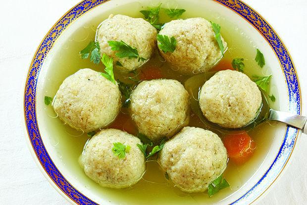 Traditional+matzah+ball+soup