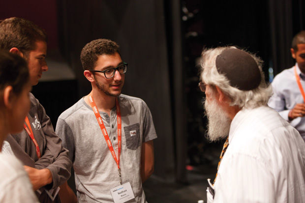 Rabbi+Saul%C2%A0Berman+speaks+with+Nathan+Rosin+of+the+Columbia%2FBarnard+Hillel+and+other+students+during+the+Hillel+Institute+panel+discussion+at+Washington+University+on+Aug.+13.+Photo%3A+Jonathan+Heisler%2FHillel+International