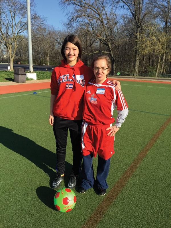 Nina+Sachs+%28left%29+worked+with+Special+Needs+Soccer+Association+for+her+mitzvah+project.%C2%A0