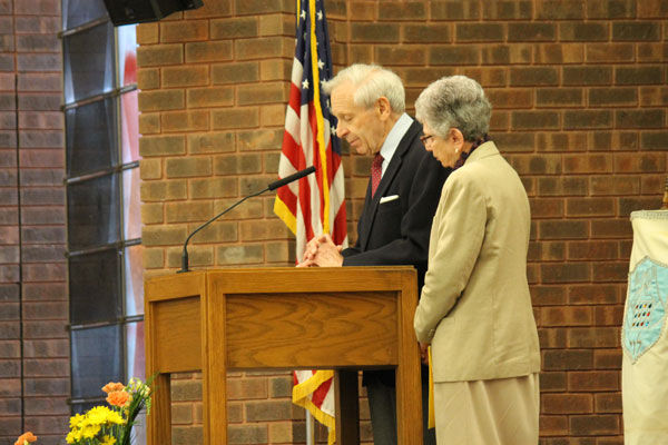 Fred Ashner and Eva Susskind Ashner discuss their stories of survival during the Yom Hashoah commemoration last week. Photo: Eric Berger