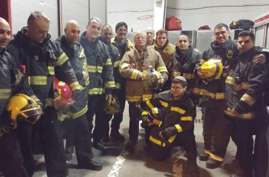 American+and+Israeli+firefighters+posing+for+photographs+after+returning+from+a+call+in+Jerusalem%2C+Nov.+27%2C+2016.+%28Courtesy+of+Emergency+Volunteers+Program%29