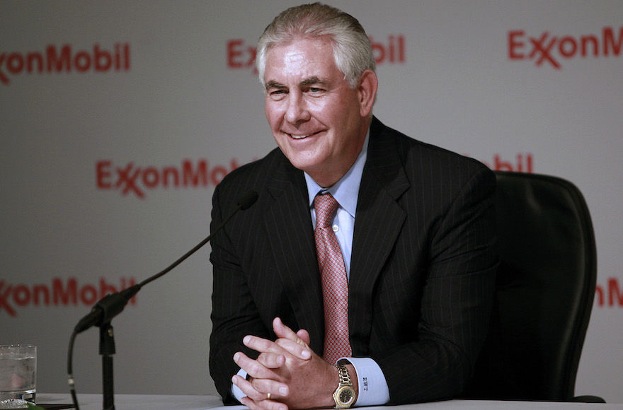Rex+Tillerson+speaking+to+the+media+after+the+Exxon+annual+shareholder%E2%80%99s+meeting+in+Dallas%2C+May+25%2C+2011.+%28Jason+Janik%2FBloomberg+News+via+Getty+Images%29