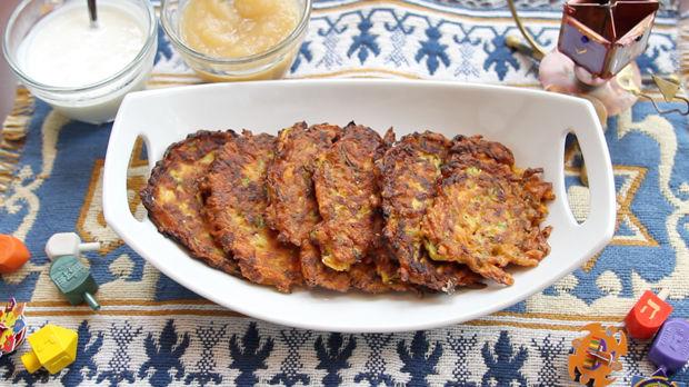Sweet+Potato+and+Zucchini+Latkes