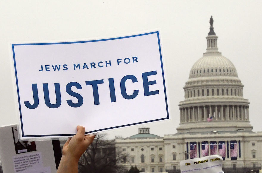 Marchers+with+the+National+Council+of+Jewish+Women+and+other+Jewish+organizations+assembled+on+the+National+Mall+for+the+Women%E2%80%99s+March+on+Washington%2C+Jan.+21%2C+2017.+%28Ron+Sachs%29