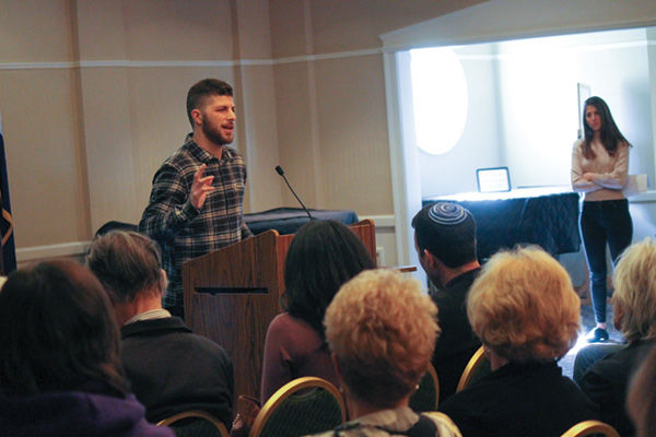 Israelis+Ido+%28left%29+and+Eden+shared+stories+about+their+army+service+and+life+afterwards+with+a+largely+Christian+audience+in+Ellisville.+Photo%3A+Eric+Berger