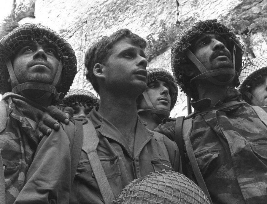 David+Rubinger%E2%80%99s+iconic+photo+shows+Israeli+paratroopers+standing+in+front+of+the+Western+Wall+in+Jerusalem+shortly+after+its+capture+during+the+Six-Day+War%2C+June+7%2C+1967.+%28David+Rubinger%2FGPO%29