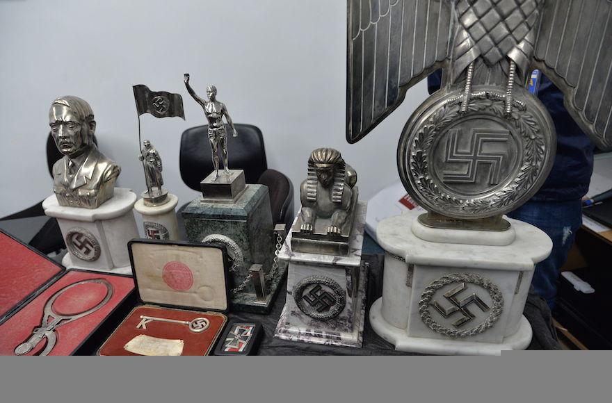 Some+of+the+Nazi-era+objects+discovered+by+Argentine+police.+%28Leonardo+Kremenchuzky%2FDAIA%29