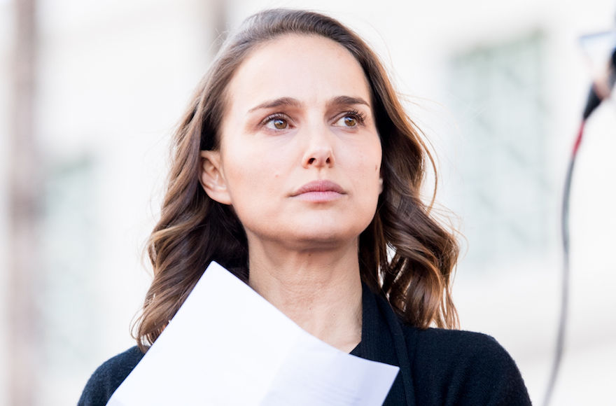 Natalie+Portman+at+the+Women%E2%80%99s+March+in+Los+Angeles%2C+Jan.+20%2C+2018.+%28Emma+McIntyre%2FGetty+Images%29