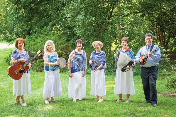Shir Ami members (from left) Jan Fishman, Judy Medoff, Elaine Unell, Amy Gage, Carol Kaplan-Lyss and Michael Lyss.
