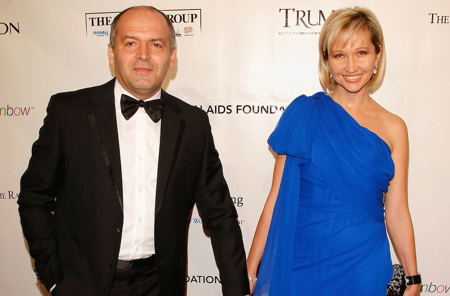 Victor+and+Elena+Pinchuk+attending+the+Ninth+Annual+Elton+John+AIDS+Foundation+benefit%2C+New+York%2C+Oct.+18%2C+2010.+%28Jemal+Countess%2FGetty+Images%29