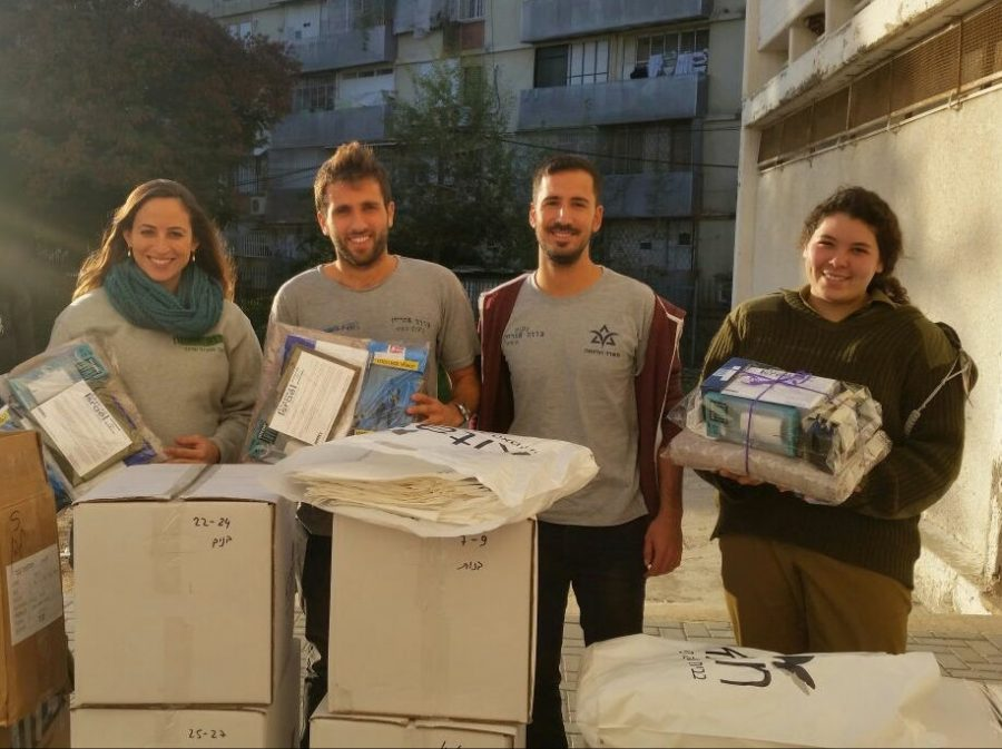 IDF+soldiers+receive+toiletries%2C+personal+care+products+and+other+items+through+the+support+of+the+St.+Louis-based+non-profit%2C+Shaving+Israel.