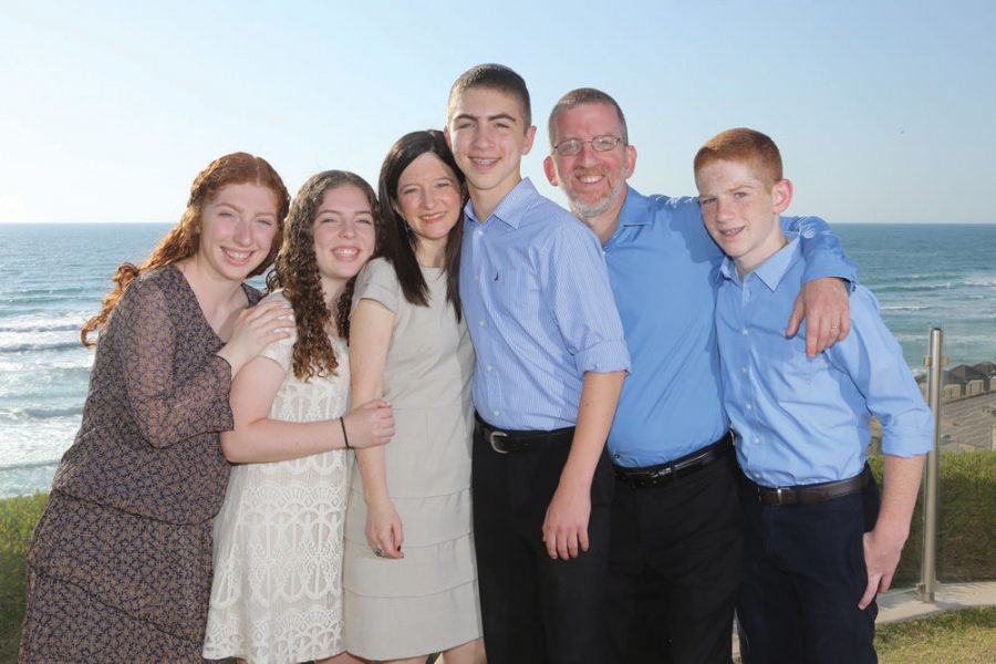 Dr.+Morris+Hartstein+and+his+family+moved+to+Israel+in+2004%2C+coming+from+St.+Louis.+The+Hartsteins%E2%80%99+oldest+daughter+now+serves+in+the+Israeli+army.