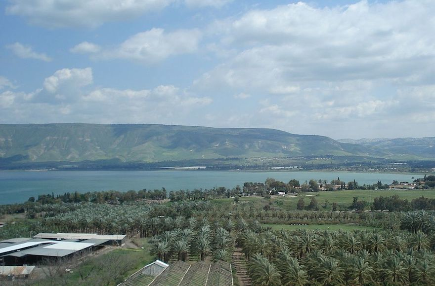 A+view+of+the+Sea+of+Galilee.+%28Wikimedia+Commons%29