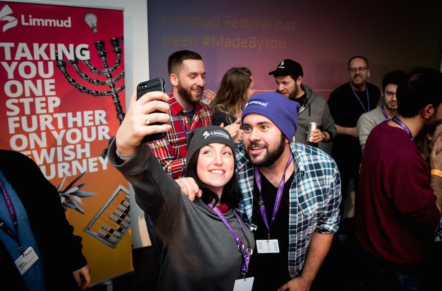 Volunteers+Abi+Symons+and+Phil+Peters+take+a+selfie+at+Limmud+Festival+2017%2C+Birmingham+UK.+%28Courtesy+of+Limmud%29