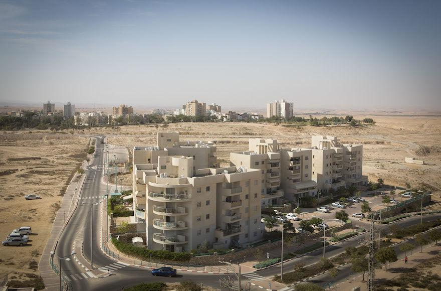 A+view+of+residential+neighborhoods+in+the+southern+Israeli+town+of+Arad%2C+located+in+the+Negev+Desert.+%28Miriam+Alster%2FFlash90%29