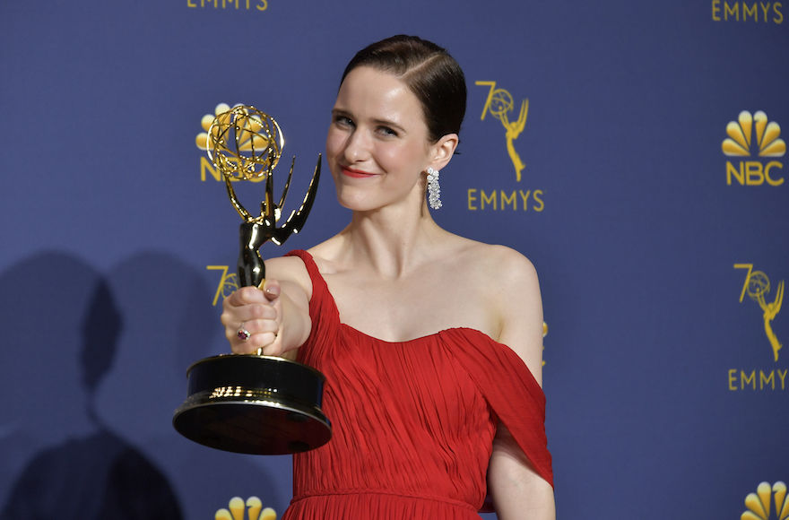 Rachel+Brosnahan+accepting+the+best+actress+in+a+comedy+series+award+at+the+70th+Emmy+Awards+in+Los+Angeles%2C+Calif.%2C+Sept.+17%2C+2018+in+Los+Angeles%2C+California.+%28Neilson+Barnard%2FFilmMagic%29