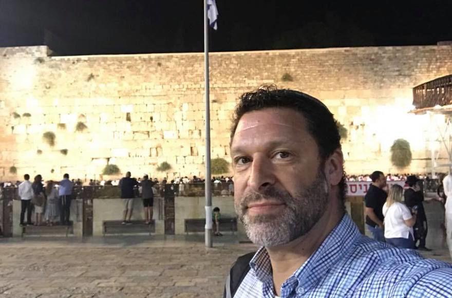 Ari+Fuld+at+the+Western+Wall+in+Jerusalem.+%28Facebook%29