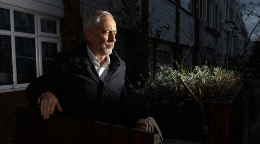 Leader+of+the+Labour+Party+Jeremy+Corbyn+leaves+his+home+on+Dec+18%2C+2018.+%28Photo+by+Leon+Neal%2FGetty+Images%29%C2%A0
