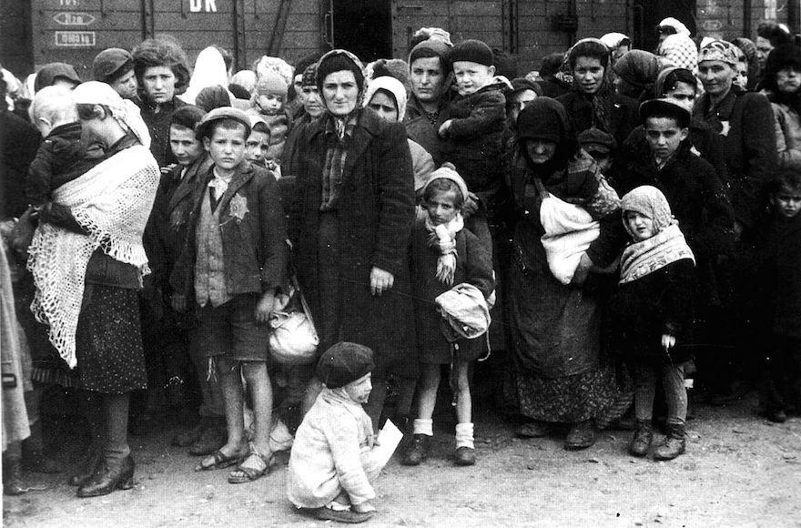 Jews+arriving+at+Auschwitz+in+1944.+Photo%3A+Wikimedia+Commons