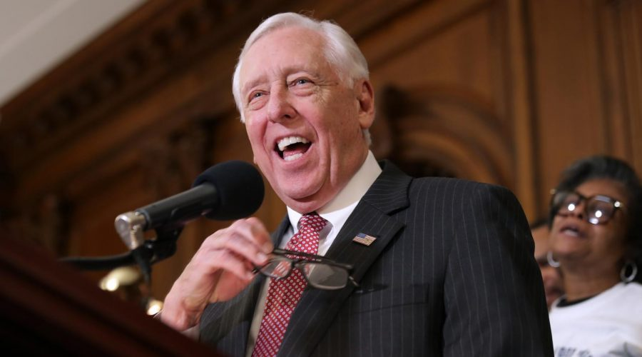 House+Majority+Leader+Steny+Hoyer+in+the+Rayburn+Room+at+the+U.S.+Capitol%2C+Jan.+16%2C+2019.+Photo%3A+Chip+Somodevilla%2FGetty+Images