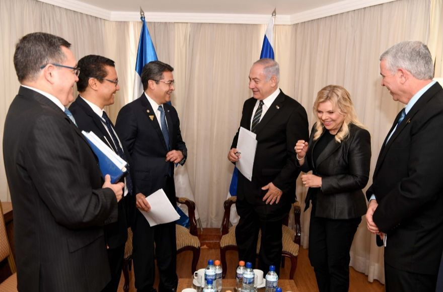 Israeli+Prime+Minister+Benjamin+Netanyahu+meets+with+Honduran+President+Juan+Orlando+Hernandez+in+Brasilia%2C+Jan.+1%2C+2019.+Photo%3A+Avi+Ohayon%2FGPO