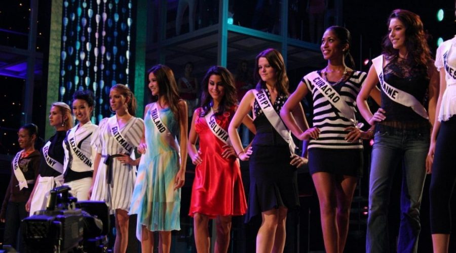 Contestants+during+rehearsals+for+the+Miss+Universe+2007+pageant+in+Mexico+City%2C+Mexico+%28Greg+Doyle%2FWikimedia+Commons%29