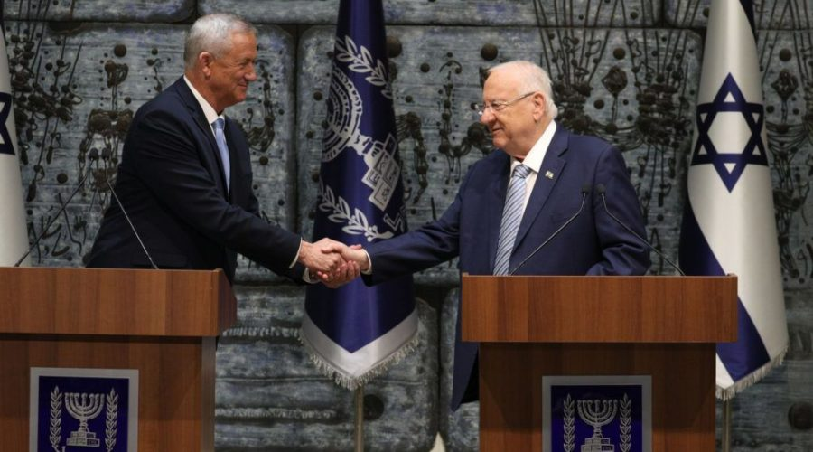 Israeli+president+Reuven+Rivlin+presents+Blue+and+White+leader+Benny+Gantz+with+the+mandate+to+form+a+new+Israeli+government+at+the+President%27s+Residence+in+Jerusalem+on+Oct.+23%2C+2019.+Photo%3A+Yonatan+Sindel%2FFlash90