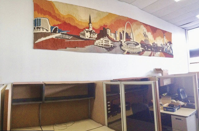 This+Ken+Weaver%2C+one-of-a-kind+tapestry+depicts+well-known+St.+Louis+landmarks.
