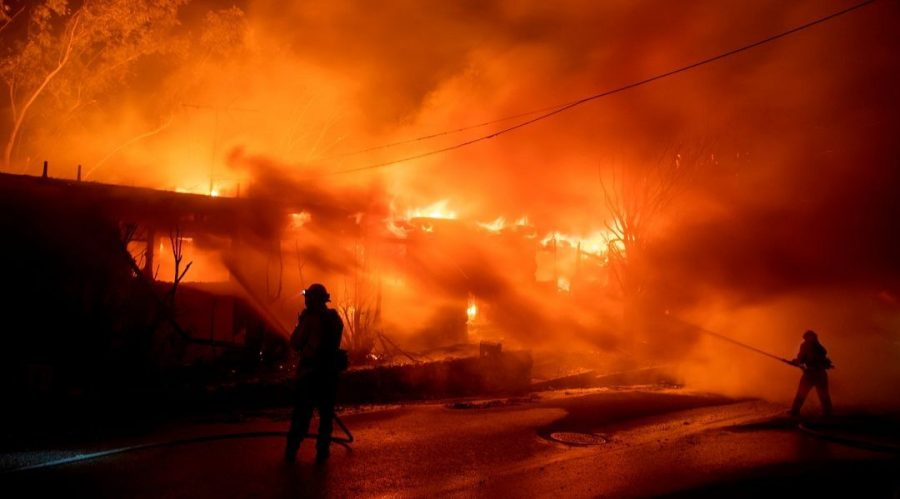 Firefighters+work+to+contain+the+Getty+Fire+as+it+burns+homes+in+the+Brentwood+Heights+neighborhood+of+Los+Angeles%2C+Oct.+28%2C+2019.+%28Brian+van+der+Brug%2FLos+Angeles+Times+via+Getty+Images%29