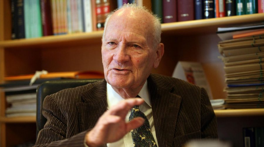 Former Israeli Supreme Court President Meir Shamgar in 2008. Photo: Yossi Zamir/Flash90
