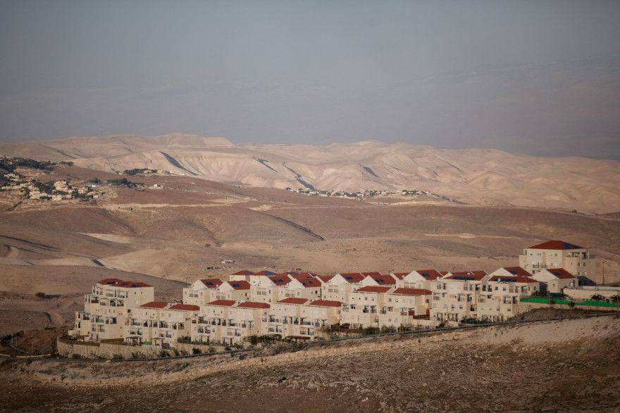 A+view+of+a+portion+of+the+West+Bank+settlement+of+Maale+Adumim+%28Uriel+Sinai%2FGetty+Images%29