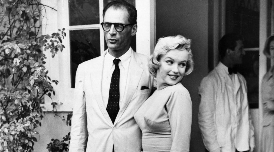 Arthur+Miller+and+Marilyn+Monroe+in+1956.The+playwright%27s+parents+bought+a+menorah+for+the+film+icon.+%28ullstein+bild+via+Getty+Images%29
