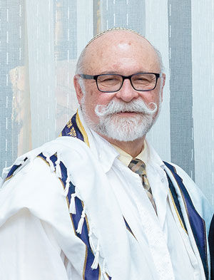 Rabbi+Josef+Davidson+serves+Congregation+B%E2%80%99nai+Amoona+and+is+a+member+of+the+St.+Louis+Rabbinical+and+Cantorial+Association%2C+which+coordinates+the+weekly+d%E2%80%99var+Torah+for+the+Jewish+Light.