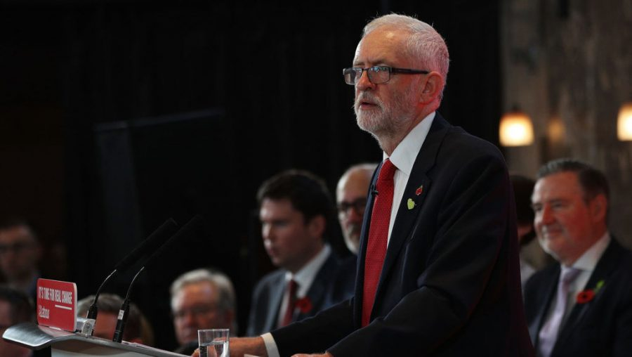 Labour+leader+Jeremy+Corbyn+makes+a+campaign+speech+in+Battersea%2C+England%2C+Oct.+31%2C+2019.+%28Dan+Kitwood%2FGetty+Images%29