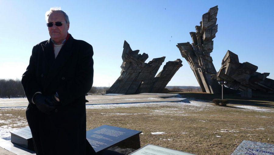 Nazi+hunter+Efraim+Zuroff+saying+Kaddish%2C+a+mourning+prayer%2C+for+Holocaust+victims+near+Kaunas%2C+Lithuania%2C+Feb.+15%2C+2015.+Photo%3A+Cnaan+Liphshiz%2FJTA