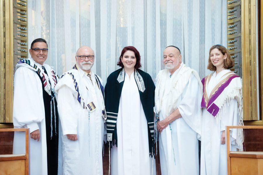From+left%3A+Rabbi+Carnie+Shalom+Rose%2C+Rabbi+Josef+Davidson%2C+Mira+Davis%2C+Rabbi+Neal+Rose+and+Cantor+Sharon+Nathanson