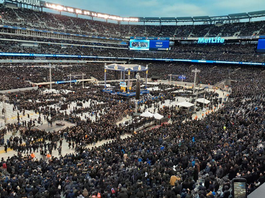 The+Siyum+HaShas+celebration+at+Met+Life+Stadium+on+Jan.+1%2C+2020.+Photo%3A+Howard+Shalowitz