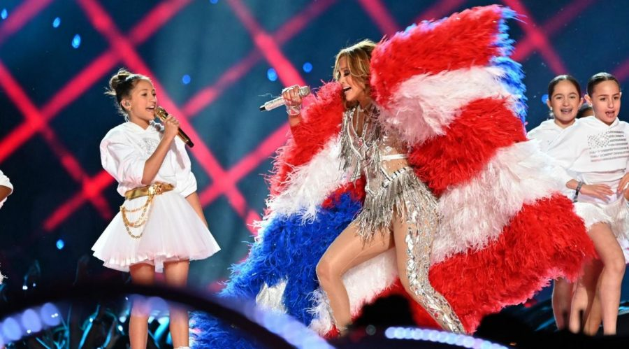 Jennifer+Lopez+and+her+daughter%2C+Emme+Maribel+Muniz%2C+perform+%22Let%27s+Get+Loud%22+during+the+Super+Bowl+LIV+halftime+show+at+Hard+Rock+Stadium+in+Miami%2C+Feb.+2%2C+2020.+%28Kevin+Mazur%2FWireImage%29