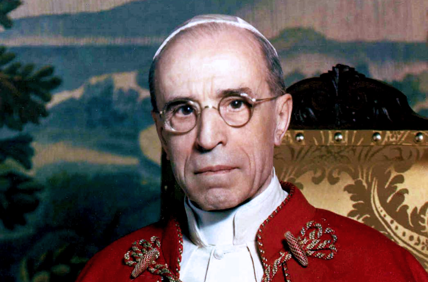 Critics+accuse+Pope+Pius+XII+of+having+turned+a+blind+eye+to+Jewish+suffering+during+World+War+II.+%28Wikimedia+Commons%29