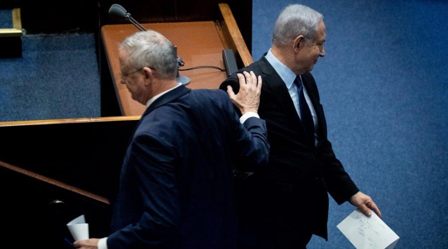 Benny Gantz, left, and Benjamin Netanyahu in the Israeli parliament, Nov. 10, 2019. (Yonatan Sindel/Flash90)