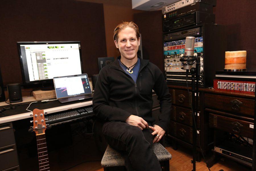 St. Louisan and acclaimed Jewish rock musician Rick Recht is executive director of Jewish Rock Radio.