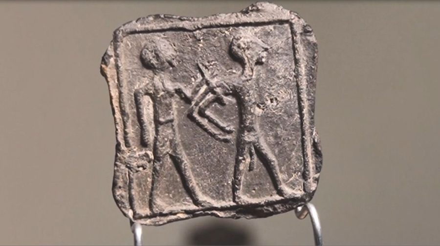Ancient+Caananite+tablet+found+at+the+Tel+Jemmeh+archeological+site.+Photo%3A+Emil+Aladjem%2FIsrael+Antiquities+Authority